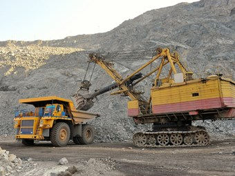 Resources boom leaves non-reliant mining businesses behind