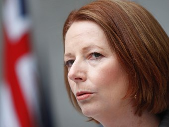 Gillard 'respects' trucking but dodges carbon tax questions