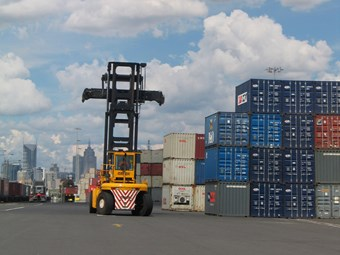 Baillieu scraps truck tax for licence fee at Port of Melbourne