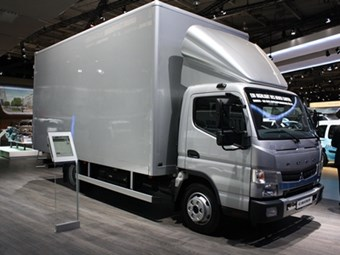 New Canter makes appearance at IAA