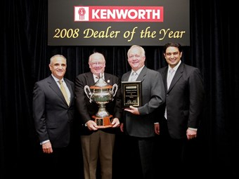 Brown and Hurley Darra voted 2008 Kenworth Dealer of the Year