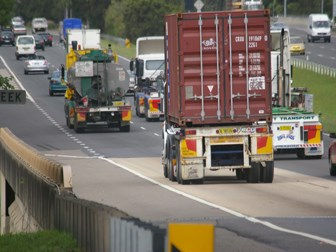 Ministers agree on national truck regs - by 2013