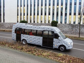 MB TRIALS NEW SPRINTER-BASED MINIBUS IN GERMANY
