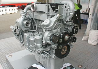 Paccar MX13 engine in Kenworth T403 and T409 review