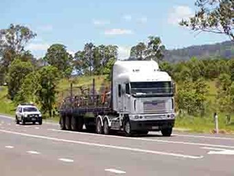 Trucking firms warn of rates risk to subbies