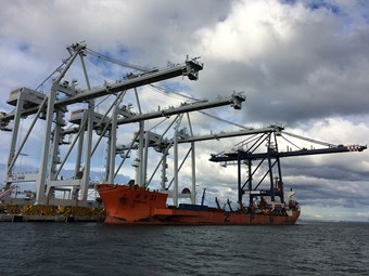 Big ship to test Melbourne containerchain