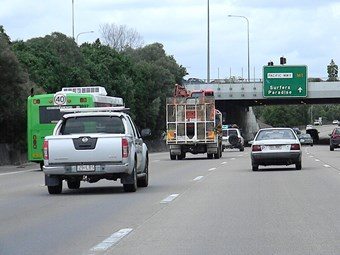 Bailey offers more talks on Qld right lane ban