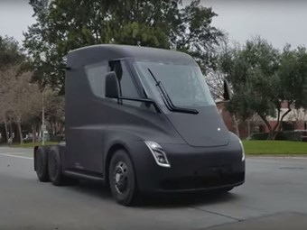 Tesla Semi order run extends into new year
