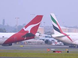 ACCC eyes cargo in Qantas-Emirates green light
