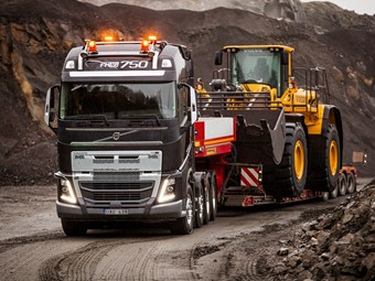 Volvo celebrates FH's 25th birthday