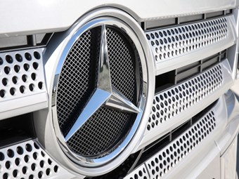 Nearly 1,000 Mercedes-Benz trucks recalled