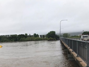 Huge Qld flooding sparks warning and roads call