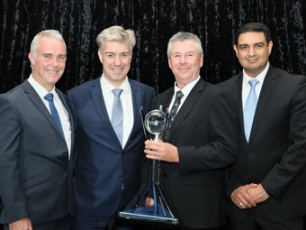 Brown and Hurley earns DAF dealer top gong