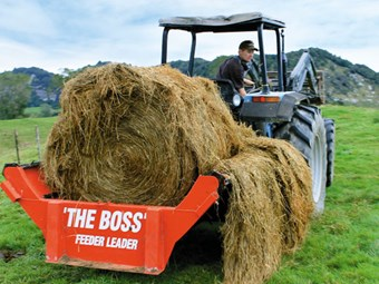 The Boss Feeder Leader round bale feeder