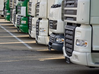 Electronic stability control mandated for trucking industry in USA