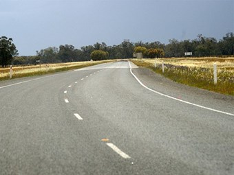 Victorian government unveils regional road fund