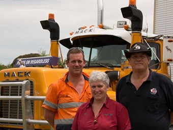 Mack bound for Broadford Truck Show