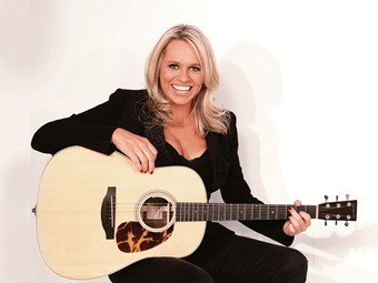 Country music's big guns to fire at Penrith Truck Show