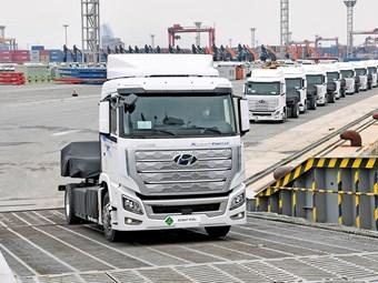 Hyundai ships world-first hydrogen heavy-duty truck