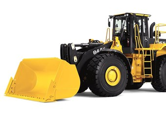 Hitachi, John Deere wheel loader buyers get choice of rewards