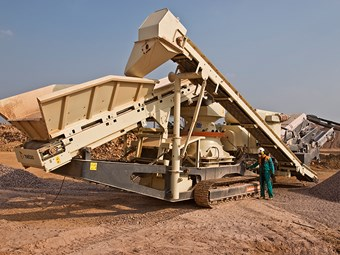 Rugged Metso LT1000 crusher-screener arrives in Australia