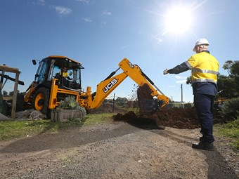 New program aids Aboriginal earthmover training