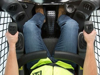 FAQ: Cat's new hand and foot skid steer controls