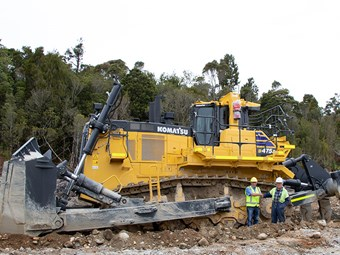 Biggest Komatsu dozer arrives in NZ