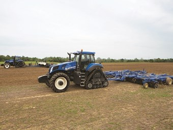 New Holland SmartTrax offers higher manoeuvrability with less compaction