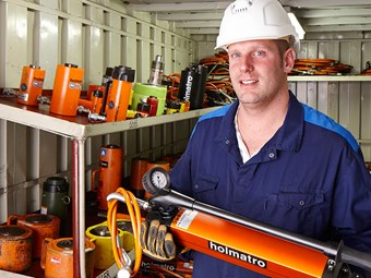 Holmatro introduces industrial hand pump range