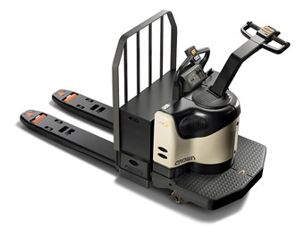 Crown adds power steering to PE 4500 pallet truck