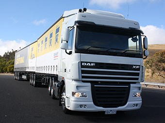 DAF XF105 Space Cab 6x4 truck review