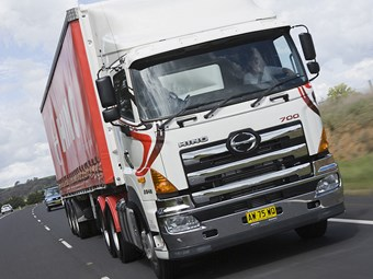 Hino Trucks Reviews >> Hino Trucks Ss 2848 Truck Review