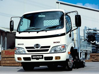 Hino 300 Series 921 truck review