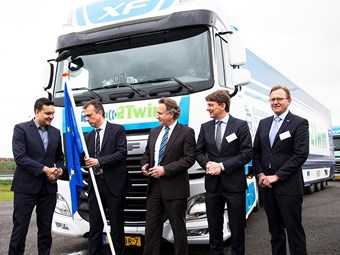 DAF trials RoadLink technology in European platooning challenge