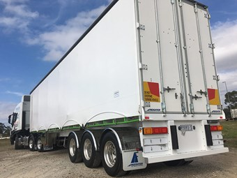 Trailer Review: Freighter's latest EziLiner curtain-sider