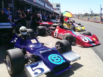 Events: Historic Sandown 2014 - around the pits