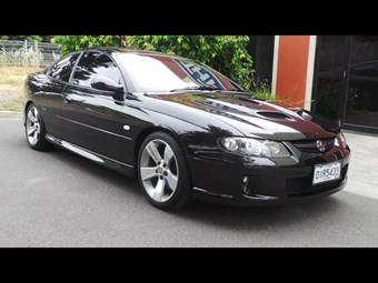 Holden Monaro CV8Z — Today's Tempter