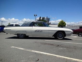 1963 Ford Thunderbird Landau - auction action