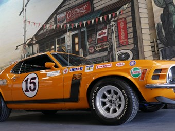 Parnelli Jones Mustang Boss 302 - today's tempter