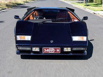 Lamborghini Countach John Bowe video review