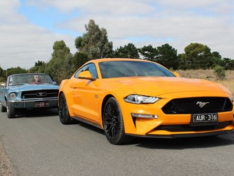 Video: Mustang living legends review - 2019 & 1967