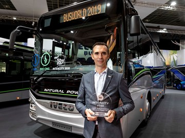 IVECO COACH CROWNED 'SUSTAINABLE BUS OF THE YEAR, 2020'