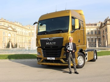 MAN TGX earns International Truck of the Year gong