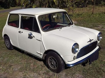 1967 Morris Mini Deluxe – Today's Micro Tempter
