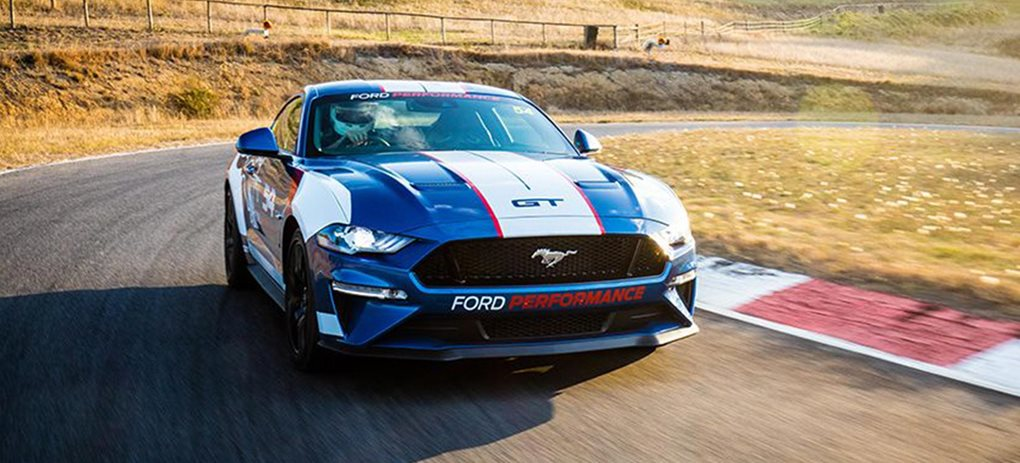 ford mustang supercars racing