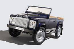 Land Rover shows Defender concept in Frankfurt