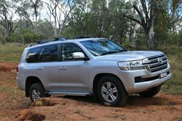 Land Cruiser 200 Series Review