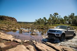 Ranger Rover Sport explores the Red Centre, NT