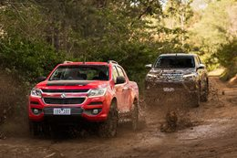 Holden Colorado Z71 vs Toyota Hilux SR5